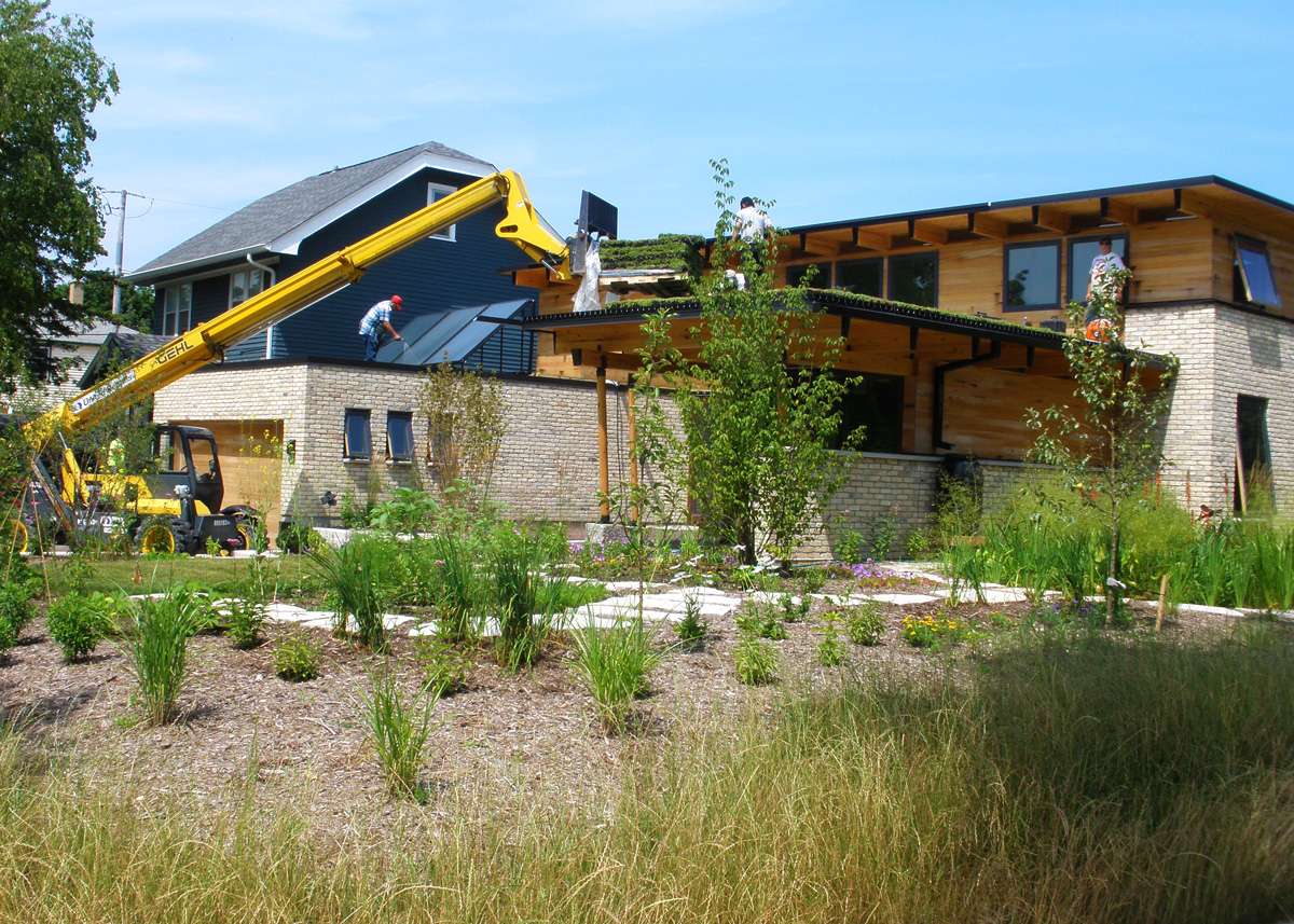 Click to enlarge image 01_green-roof-home-milwaukee.jpg